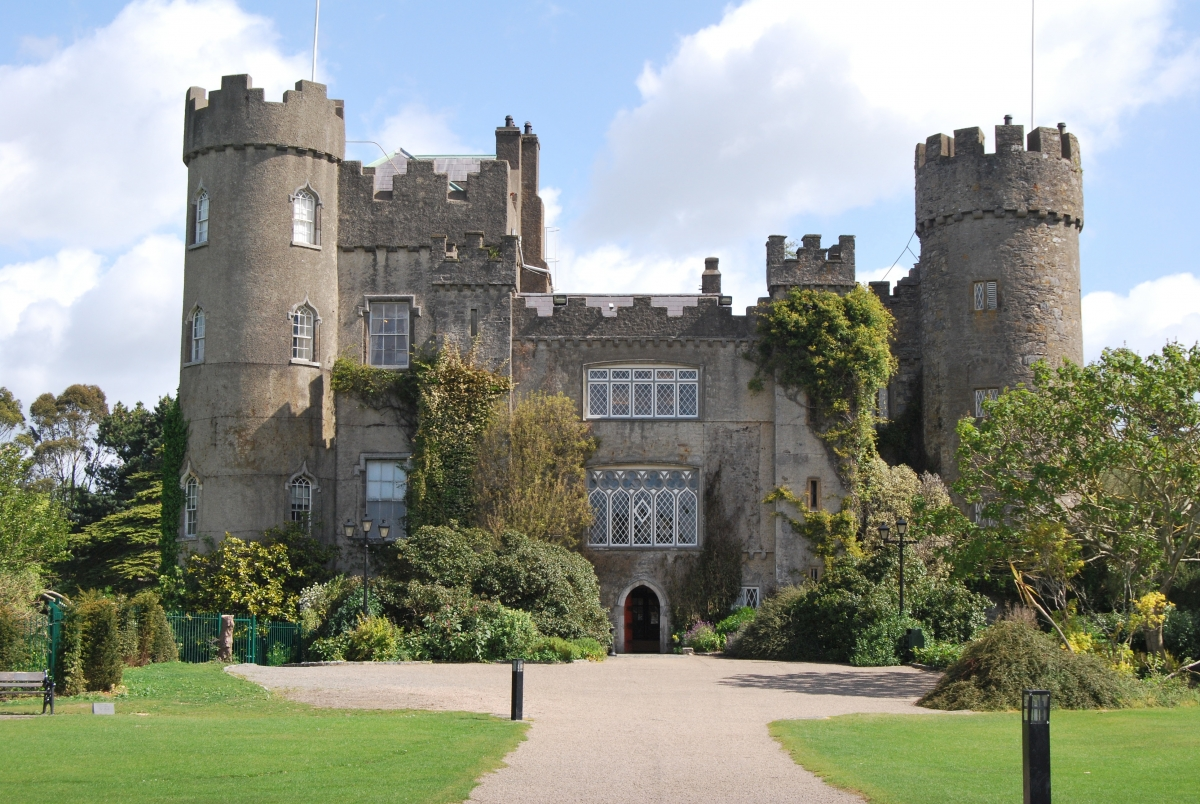 Boyne Valley / Malahide Castle Tour